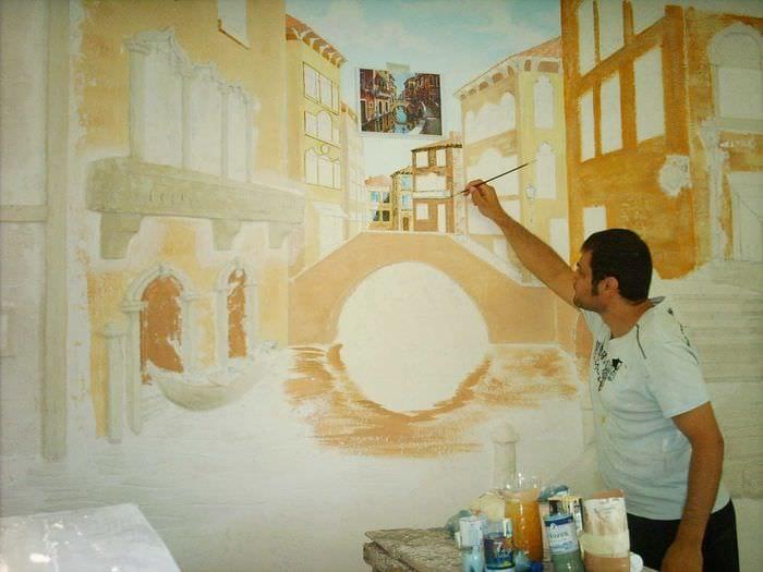 идея необычного стиля квартиры с росписью стен