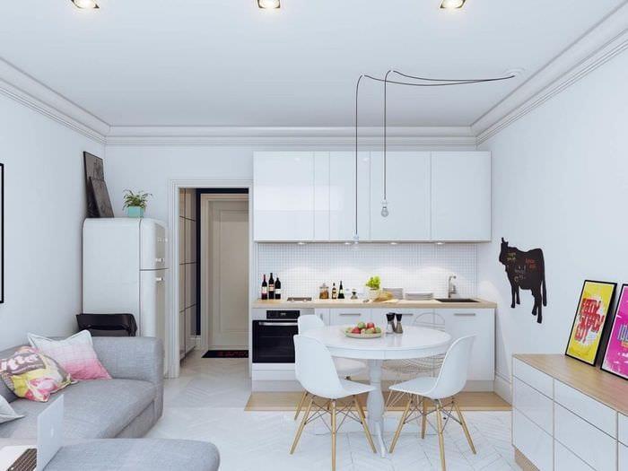 кухня студия с диваном