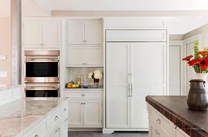 кухня 6 кв м в белых тонах