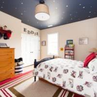 натяжной потолок в комнате подростка