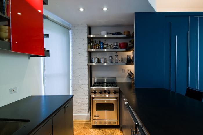кухня 6 кв м синий цвет