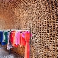 современный дизайн магазина одежды