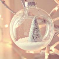стеклянный шар на елку