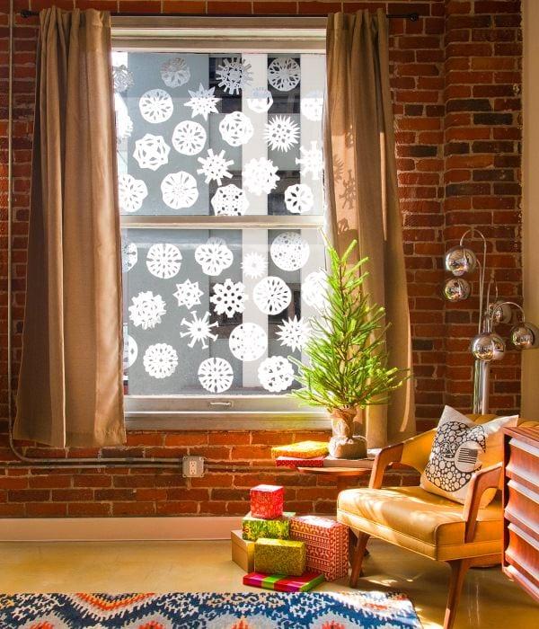 украшения окон на новый год фото рамках проекта профессиональное