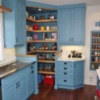 дизайн кухни студии яркие цвета