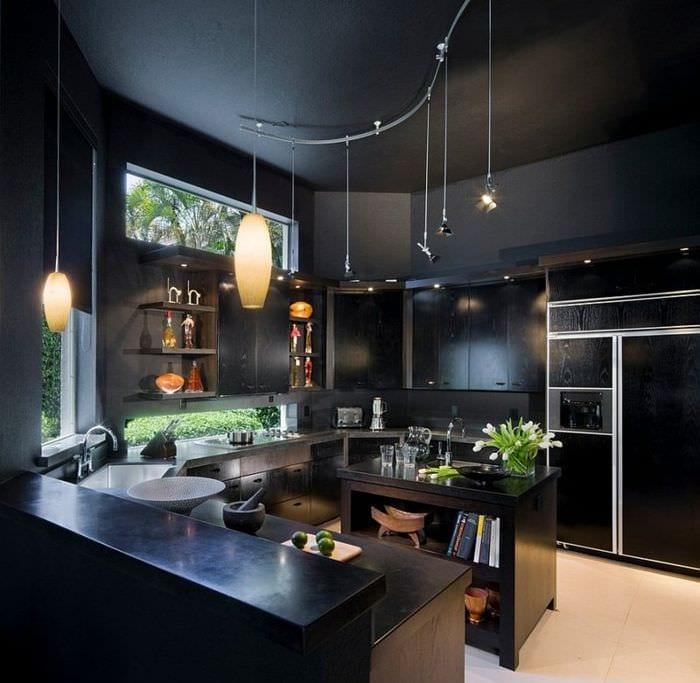 дизайн черной кухни 3 на 3