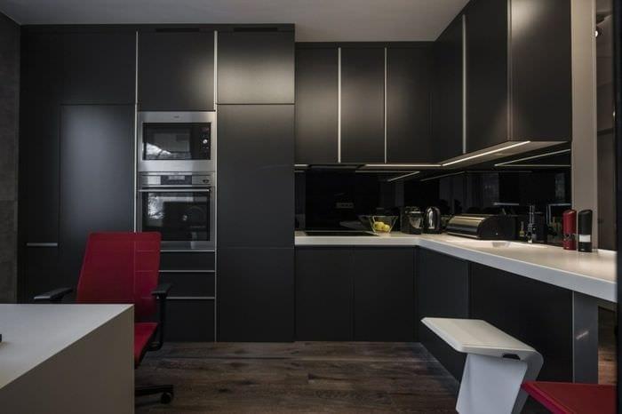 черная матовая кухня 3 кв метра