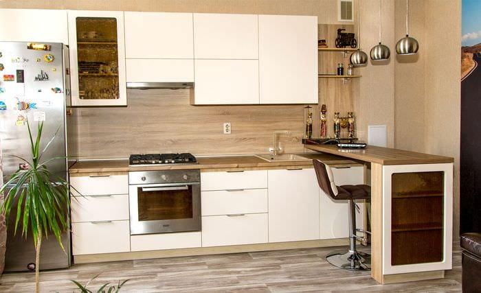 глянцевый гарнитур для кухни