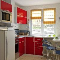 идея яркого интерьера кухни 11 кв.м фото