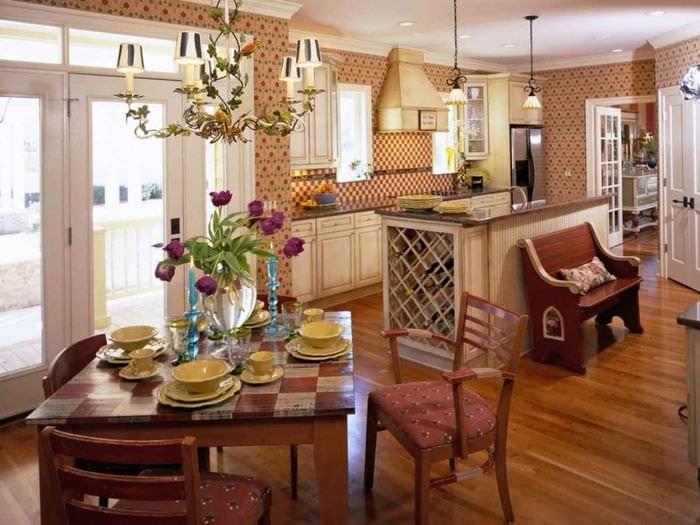 идея яркого декора кухни в деревенском стиле