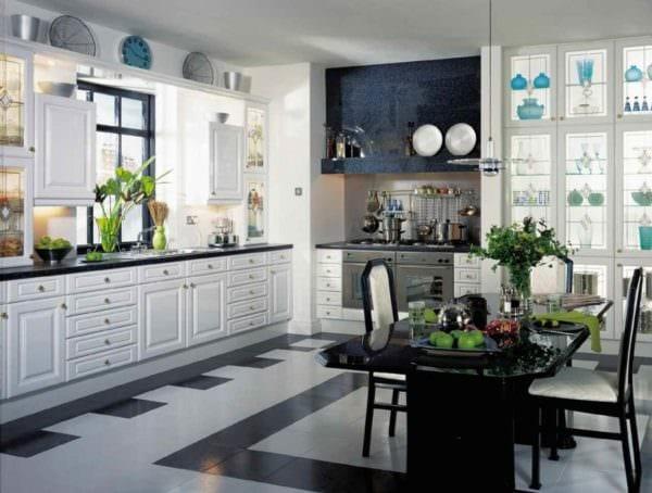 идея светлого интерьера кухни 10 кв.м. серии п 44 фото