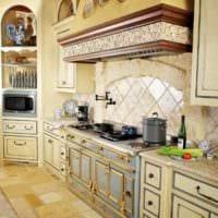 идея необычного декора кухни в деревенском стиле картинка