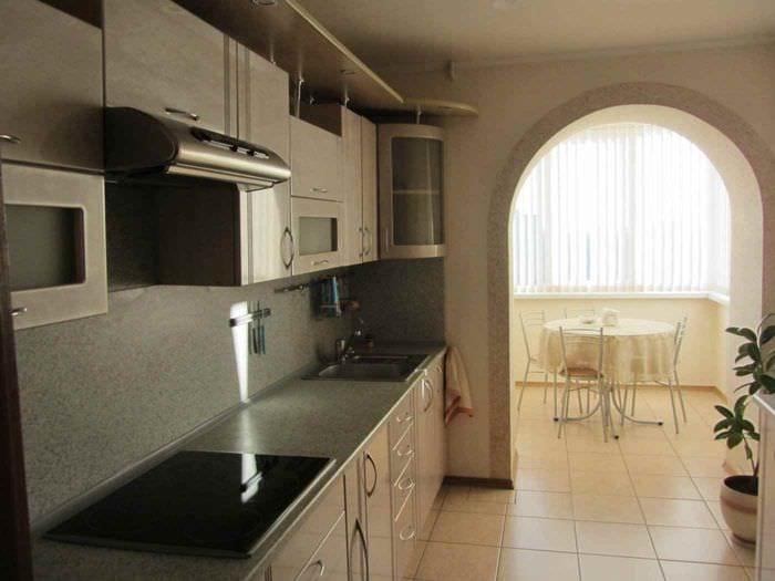 вариант необычного дизайна кухни 13 кв.м