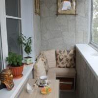 оригинальный декор маленького балкона