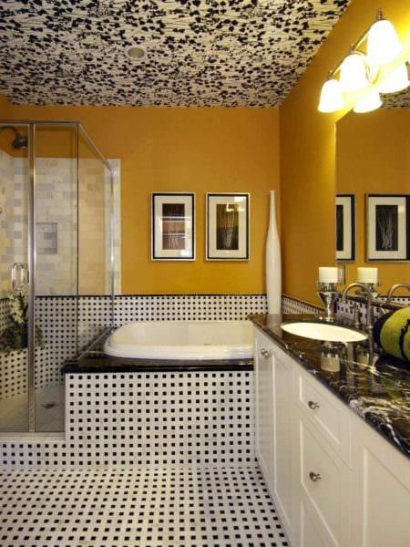пример использования светлого желтого цвета в интерьере квартиры картинка