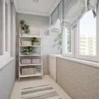 светлый маленький балкон