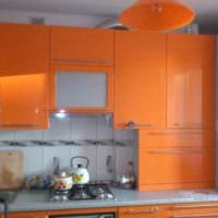 идея яркого стиля кухни с газовой колонкой картинка