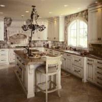 пример красивого декора кухни в классическом стиле картинка