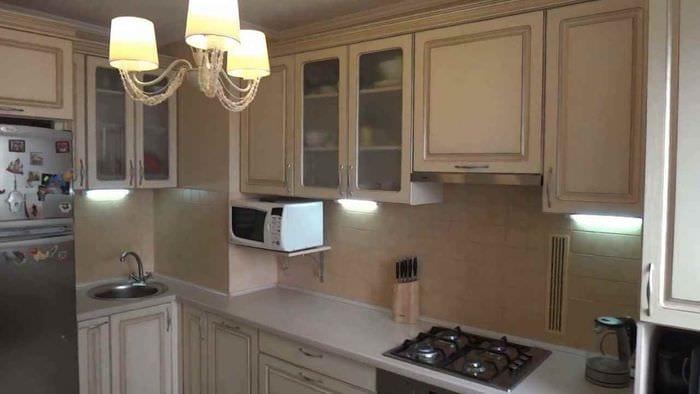 пример необычного дизайна кухни 10 кв.м. серии п 44