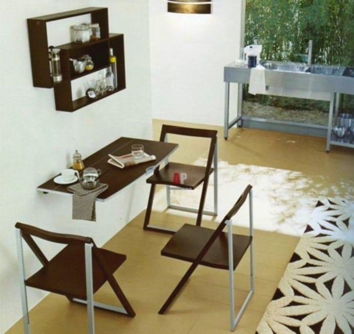 кухня со складными стульями