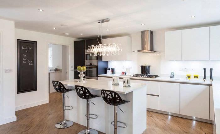 кухня с островным дизайном