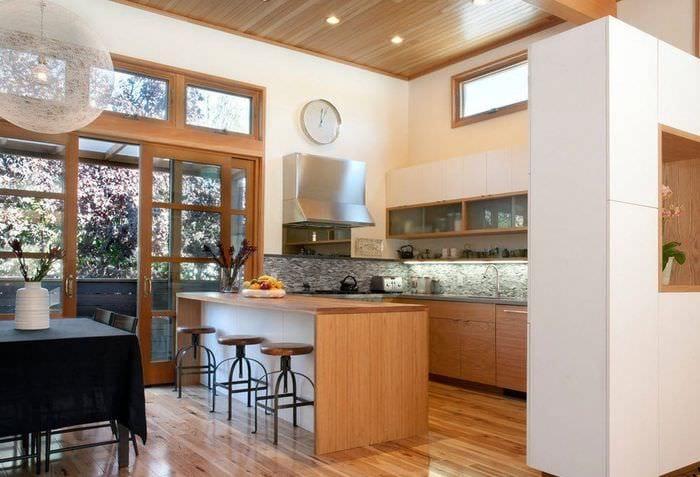 кухня столовая гостиная в частном доме фото