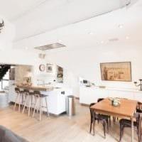 кухня столовая гостиная в частном доме идеи дизайн фото