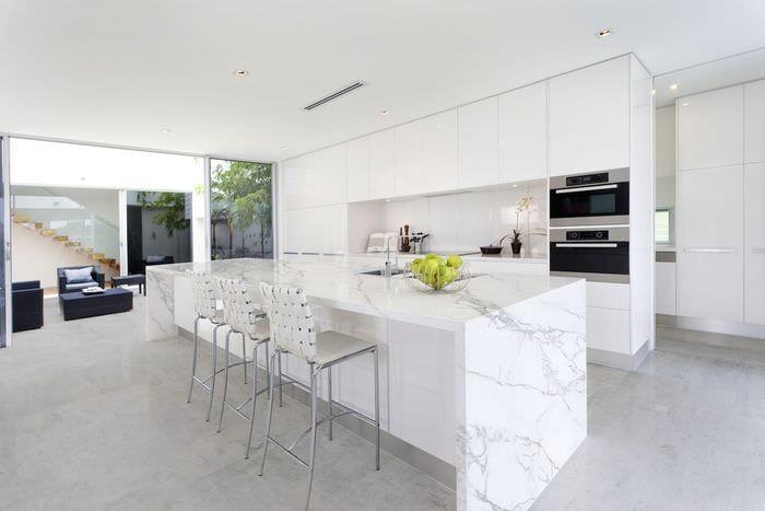 белая кухня хай тек