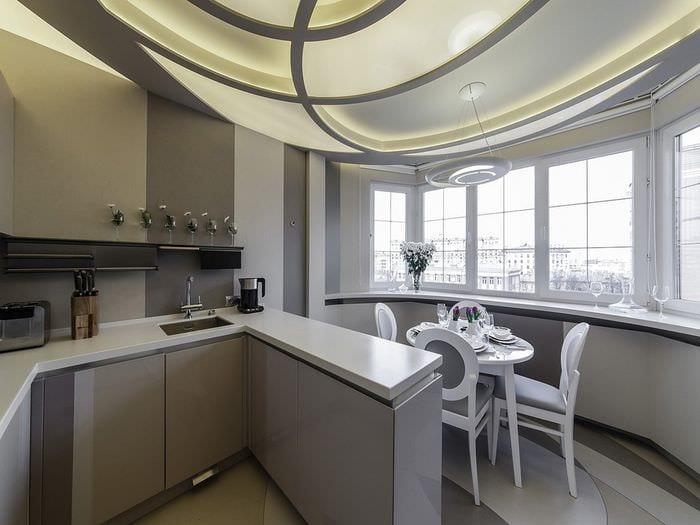 кухня с балконом совмещенные