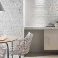 кухня с вентиляционным коробом белая