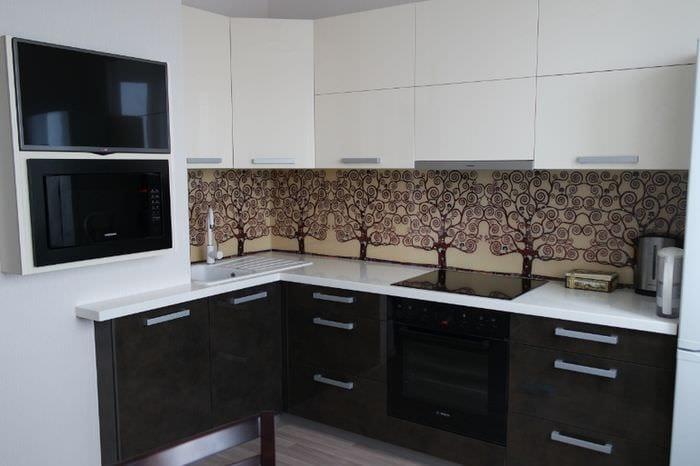 короб вентиляции на кухне