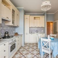кухня с вентиляционным коробом дома