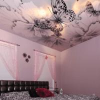натяжной потолок бабочки