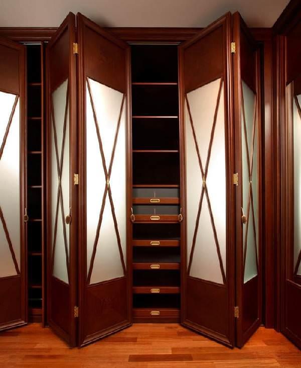 оформление фасадов гардеробной