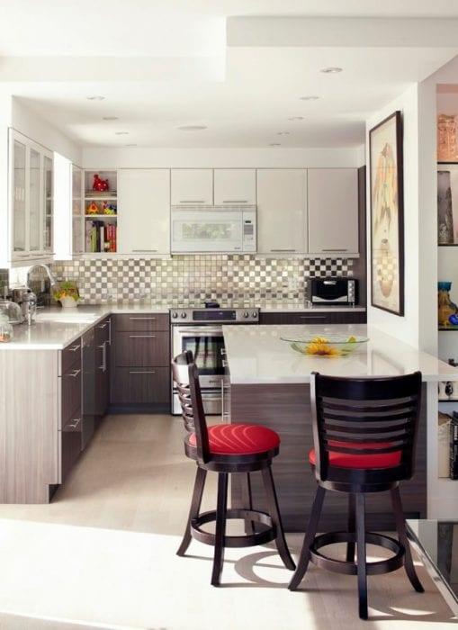 потолок на кухне студии