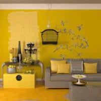 вариант использования яркого желтого цвета в декоре квартиры фото