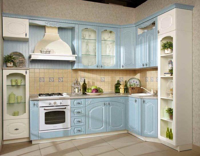 пример яркого стиля кухни 13 кв.м