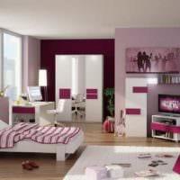 вариант яркого декора детской комнаты для девочки фото