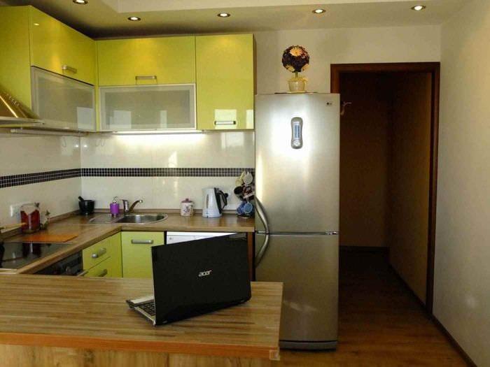 вариант светлого интерьера кухни 12 кв.м