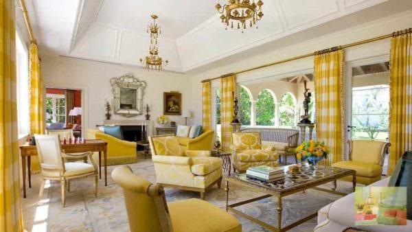 идея использования необычного желтого цвета в дизайне комнаты картинка
