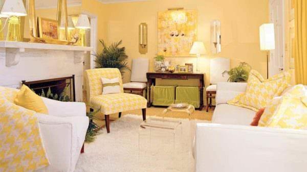 вариант применения яркого желтого цвета в дизайне комнаты картинка