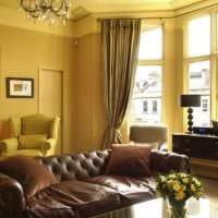 пример применения яркого желтого цвета в интерьере квартиры фото