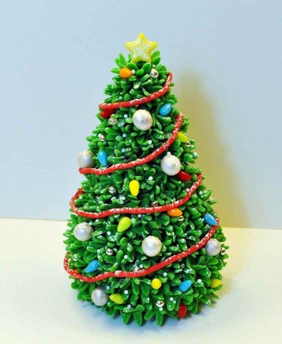 пример создания праздничной елки из бумаги своими руками