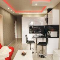 пример яркого дизайна квартиры студии 26 квадратных метров фото