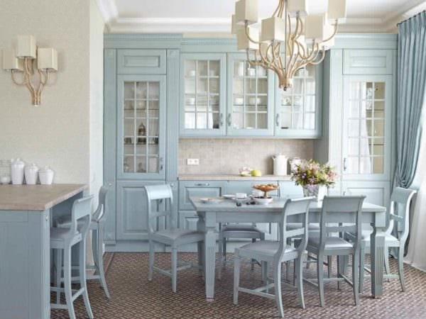 идея красивого стиля кухни в загородном доме фото