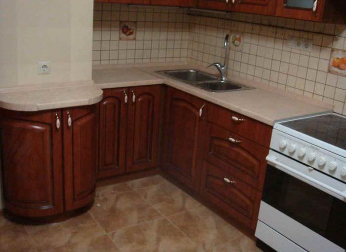 пример необычного стиля кухни 10 кв.м. серии п 44
