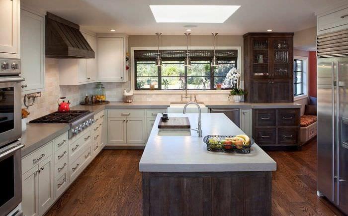 размещение гарнитура на дачной кухне