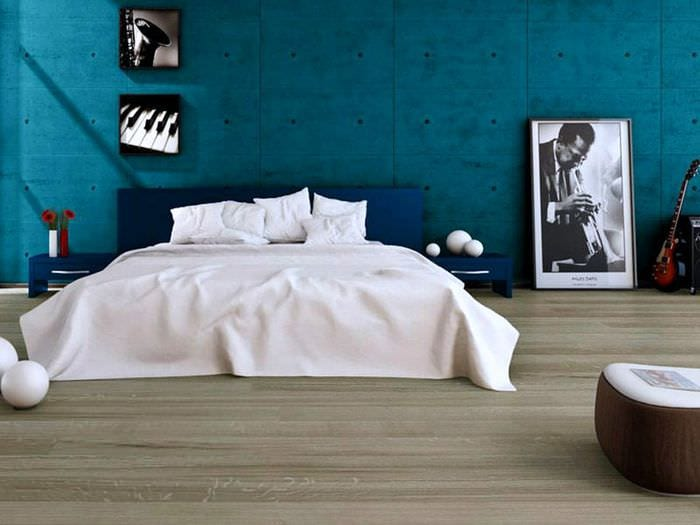 серый ламинат в спальне