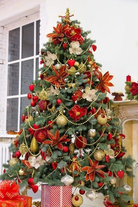 украсить елку на новый 2018 год