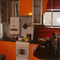 пример светлого дизайна кухни с газовой колонкой картинка